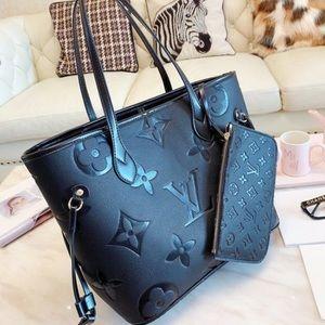 Tote handbag with wallet